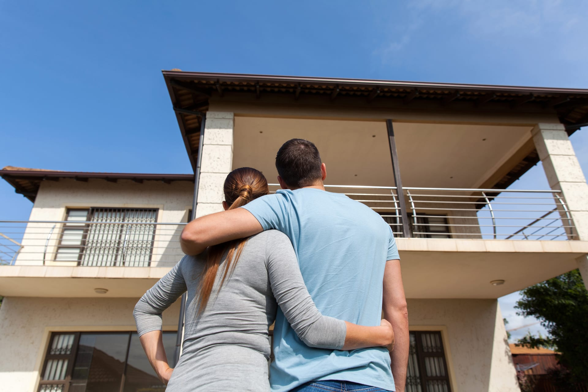 How to Make a Competitive Offer on a House Without a Realtor