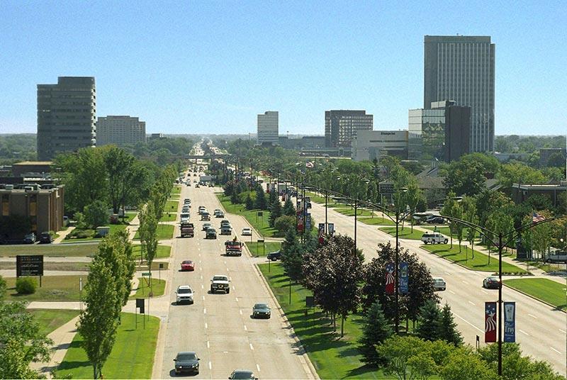 Busy street in Troy Michigan