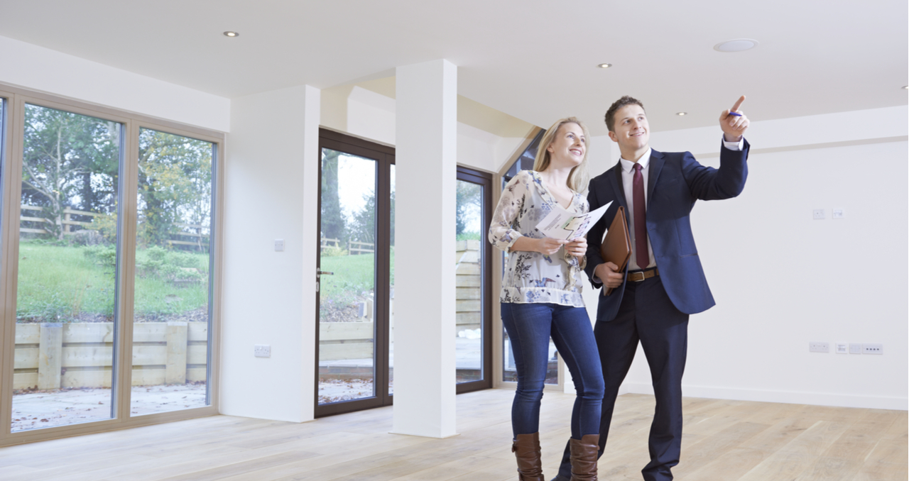 Wondering how to tell which of the people who show up to an open house are serious about making a purchase? Here are a few signs to look out for.