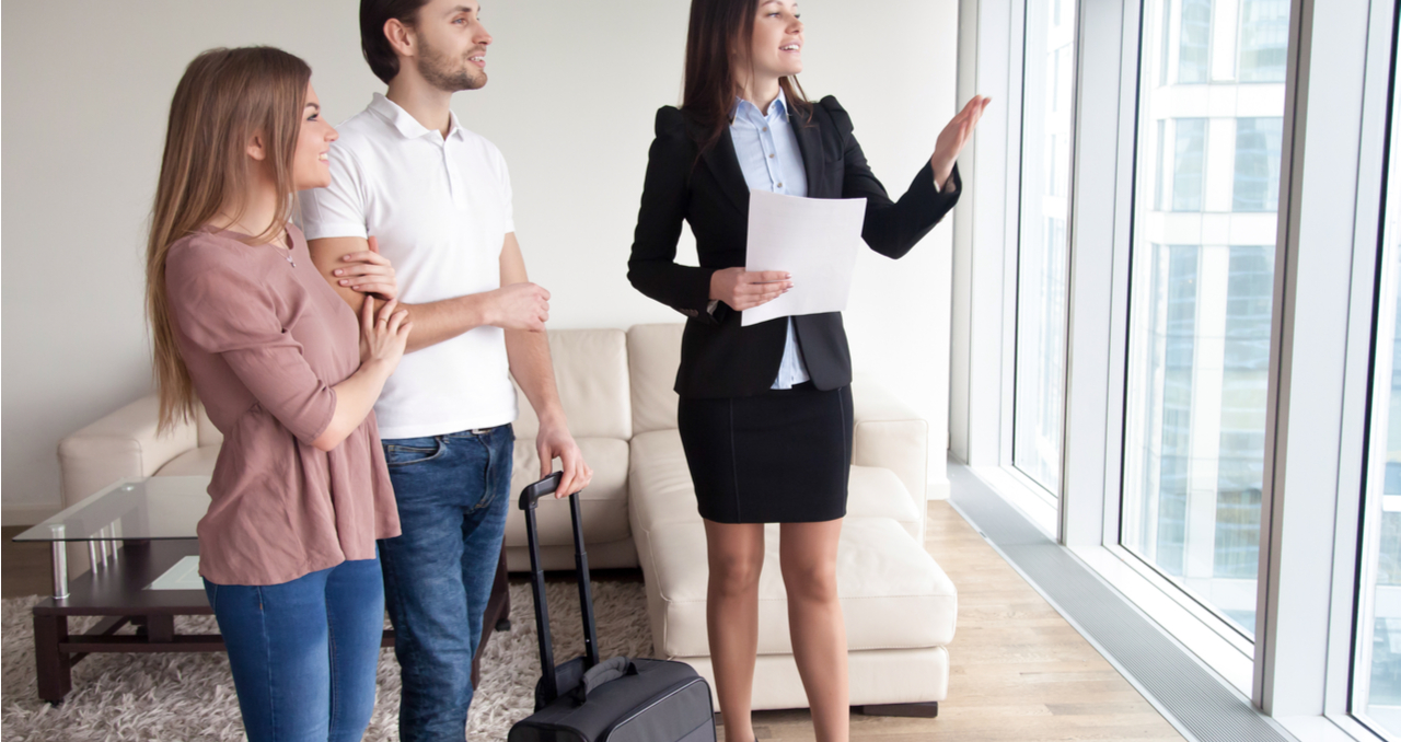 How Long Can a Seller Stay in a House After Closing: 5 FAQs
