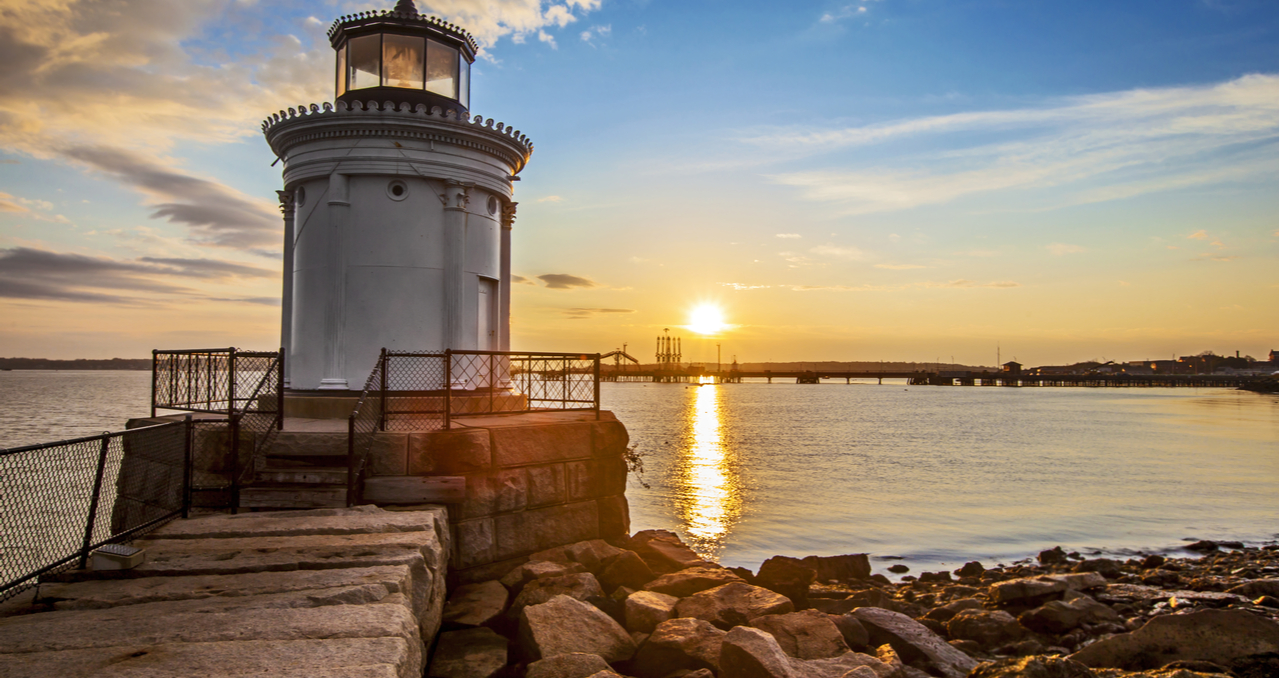 8 Steps to Selling a House in Maine