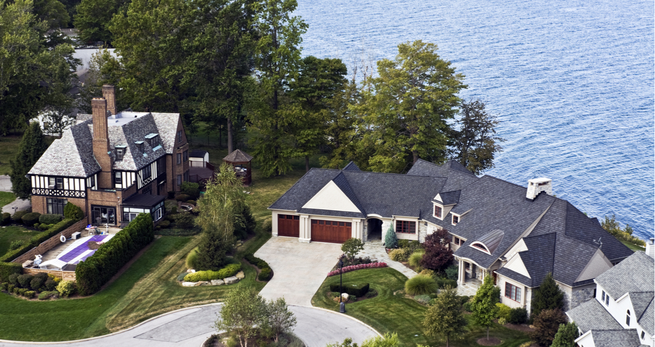 best time to buy lakefront home