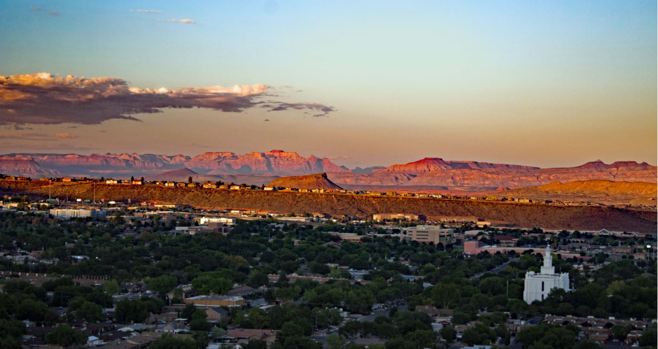 Here's everything you need to know about the home selling process in Utah, from finding a realtor to seller's disclosures, broken down in an eight step process.