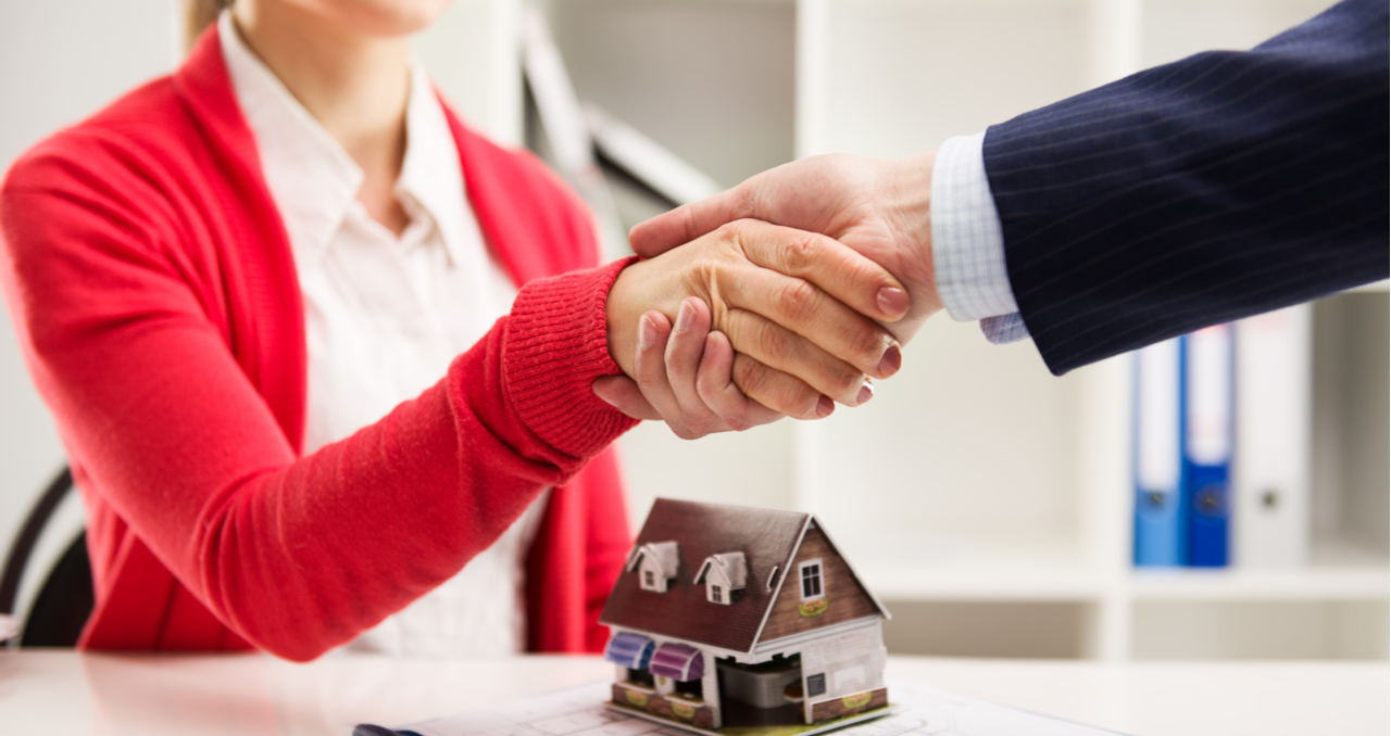 https://listwithclever.com/real-estate-blog/keller-williams-vs-re-max-a-home-sellers-guide/