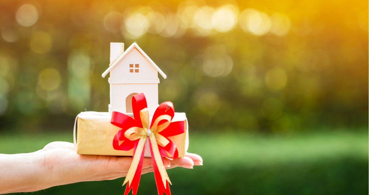 How to Avoid Gift Tax on Real Estate: 5 Things to Know