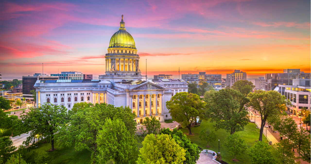 The Best Time to Buy a House in Wisconsin